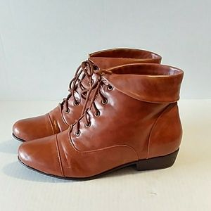 PRICE DROP! Comfortview Ankle Boots! EUC!